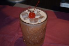 French-American - 4 roses bourbon, pernod, angostura, lemon, sugar.