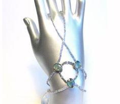 TinnasHandJewelry. Bohemian bracelet, Finger bracelet, Handflower, Ring bracelet, Hand piece, Elastic bracelet, beaded jewelry, beadwork, Handjewelry