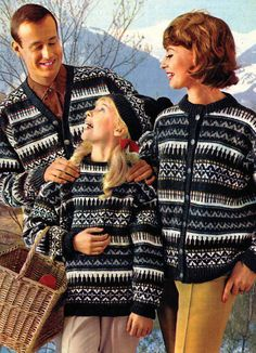 A whole bunch of Nordic sweater patterns not written in English Norwegian Knitting, Nordic Sweater, Fair Isle Knitting, Vintage Knitting, Color Combinations, Knitting Patterns, Sweater Patterns, Christmas Sweaters, Free Pattern