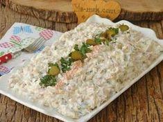 Köz patlıcanın tavuğa bu kadar çok yakıştığına emin olun şaşıracaksınız... Beş çayınızın menüsüne bu tarifi eklerseniz, kimsenin gözü pastadır, kurabiyedir görmez. Appetizer Salads, Dinner Salads, Appetizers, Rotisserie Chicken Salad, Asian Chicken Salads, Best Chicken Salad Recipe, Easy Chicken Recipes, How To Make Salad, Food To Make