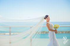 Velo De Novia. Ramo. Vestidos De Novia . Beautiful. Best Day. Natural Light. Flores. Wedding Photography Check out more of our work :) http://www.thememoryland.com/