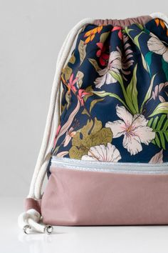 Romantic Home Decor, Drawstring Bags, Unique Gardens, English Style, Powder Pink, Vintage Roses, Backpack Bags, Bag Making, Pink Flowers