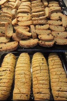 Greek Sweets, Greek Desserts, Greek Recipes, Vegan Desserts, Greek Cookies, Almond Cookies, Paximathia Recipe, Sweets Recipes, Baking Recipes