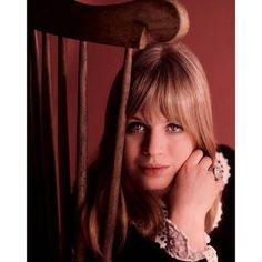 Happy Birthday to singer and actor Marianne Faithfull, born ⠀ ⠀ Faithfull began her career as a pop star at the age of 17 under… Rock Band Photos, Amy Johnson, Heroin Chic, Marianne Faithfull, 60s Music, Suffragette, National Portrait Gallery, Famous Girls, 1960s Fashion