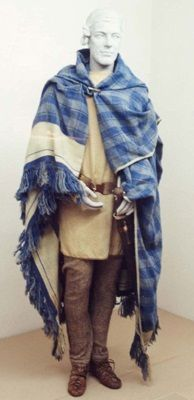 Reconstruction of textiles and clothing from the Thorsberg Moor site by the Textilmuseum Neumünster