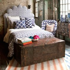 Love this bedroom.....I just adore this mix of rustic and hippie accents.