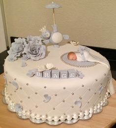 Bilderesultat for dåpskake Torta Baby Shower, Baby Shower Cakes For Boys, Baby Boy Cakes, Baby Girl Christening Cake, Baby Shower Cake Designs, Cupcake Cakes, Cupcakes, Baby Birthday Cakes, Shower Bebe