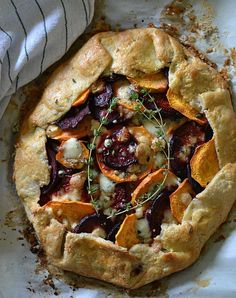 Beet and Sweet Potato Galette. Beets and sweet potatoes layered in a buttery pastry topped with gorgonzola cheese and thyme Pie Recipes, Fall Recipes, Cooking Recipes, Cooking Food, Potato Recipes, Potato Galette, Potato Pie, Gorgonzola Cheese, Goat Cheese