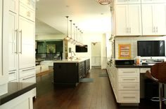 """""""Mom central"""" work space just off the kitchen from Houzz"""