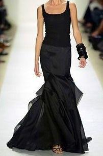 Carolina Herrera, gorgeous neckline, perfect for @NaughtonBraun #pearls!