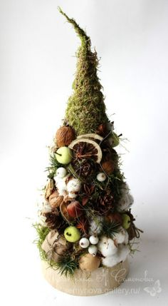 Gallery.ru / Фото #175 - новый год рождество 14 - semynova Christmas Tree Topiary, Christmas Minis, Cozy Christmas, Christmas Goodies, Xmas Tree, Christmas Wreaths, Christmas Flower Arrangements, Christmas Centerpieces, Christmas Decorations