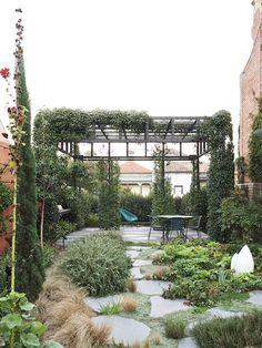 Melbourne Garden · Chris Cobbett, Jonathan Cebon and Family - The Design Files