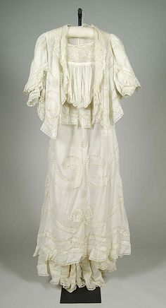 1905 Morning dress. American. Medium: Cotton. Front