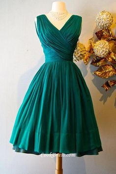 Short Vintage Sleeveless V-neck Emerald Green Ball Dress