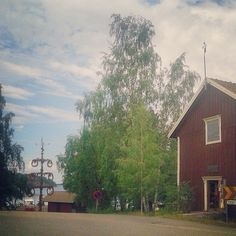 Midsummer pole still standing high at Bromarf harbour in Finland. #nagohnala #midsummer #finnish #finland #destinations #summer #bromarf