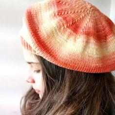 PASIÓN POR LAS BOINAS DE PUNTO - Lohilé Knitting For Beginners, Knitted Hats, Knitting Patterns, Winter Hats, Molde, Crochet Beret Pattern, Knitting Designs, Knitwear, Knit Patterns
