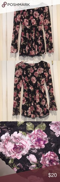Floral Top or Mini Dress Very Feminine Dainty Top or can be mini dress! Has black lining with lace on bottom that can be seen. Very Sexy Look Tops