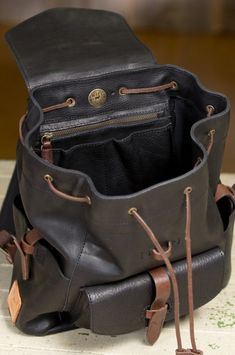 Will Rainier Bridle Leather Backpack Tote Handbags, Purses And Handbags, Leather Handbags, Backpack Bags, Leather Backpack, Leather Men, Black Leather, Back Bag, Leather Bags Handmade