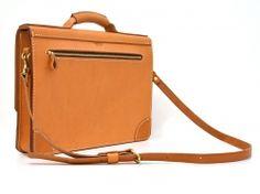 厚い革で丈夫に仕上げたシンプルな丸台おこしブリーフケース「革鞄のHERZ公式通販」