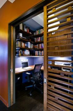 From shelving to desk options and beyond, discover the top 40 best closet office ideas. Explore small work space designs for your home. Home Office Closet, Tiny Office, Office Nook, Home Office Space, Home Office Design, Home Office Decor, Home Interior Design, Office Ideas, Small Home Offices