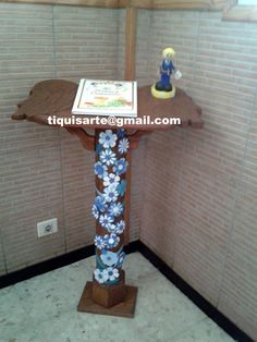 TiquisArte: Primera comunión Furniture, Home Decor, Blue And White, First Holy Communion, Homemade Home Decor, Home Furnishings, Decoration Home, Arredamento, Interior Decorating