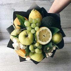 Food Bouquet, Gift Bouquet, Edible Arrangements, Flower Arrangements, Fruit Presentation, Vegetable Bouquet, Cadeau Surprise, Edible Bouquets, Fruit Gifts