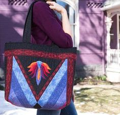 Sew this padded messenger bagdesigned by Susie D Designs andto carry a laptop in high-style. This PDFbagpattern includes optional pockets which are perfectly sized for safely storing a range of…