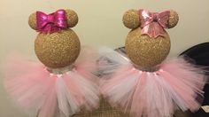 DIY Dollar tree Minnie Mouse centerpiece - YouTube Mickey Mouse Ornaments, Minnie Mouse Decorations, Minnie Mouse Christmas, Minnie Mouse 1st Birthday, Minnie Mouse Baby Shower, Minnie Mouse Party, Christmas Tree, Diy Birthday Tutu, Birthday Party Decorations Diy