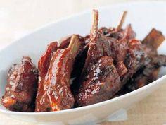 城川 朝さんの豚スペアリブを使った「スペアリブのジューシーオーブン焼き」のレシピページです。スペアリブをマリネ液に一晩つけて、オーブンでじっくり焼けば味がのり、ジューシーに焼き上がります。 材料: マリネ液、豚スペアリブ