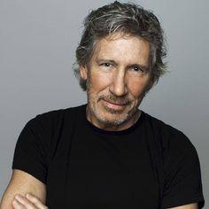 Saviez-vous que l'idée de The Wall de Pink Floyd est née à Montréal? C'est, du moins, ce que raconte l'un des membres fondateurs du groupe, Roger Waters, au Journal de Montréal: « En effet, dans un concert au Stade olympique en 1977, l'artiste avait craché au visage d'un spectateur qui lui manquait de respect. C'est cet incident qui a fait germer l'idée de The Wall dans la tête de Waters, alors qu'il voulait «construire un mur» entre lui et les gens. » Wow! On en apprend à tous les jours……