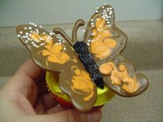 Decorating Cupcakes: #4 Monarch Butterfly