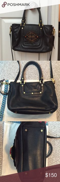 Tory Burch Amanda handbag guc Authentic Tory Burch Amanda crossbody bag with dust bag. Outside is in excellent condition. Inside has a few pen marks but hard to see. Soft leather. I bought this from another posher but it's too small for me. It has the long strap but the strap has little tears in it. Not noticeable while wearing. A really cute just too small for my needs. Size is 8x 12x5 Tory Burch Bags Crossbody Bags