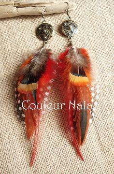 Boucles d'oreilles ethniques, plumes de coq flammé, faisan et pintade : Boucles d'oreille par couleur-nala