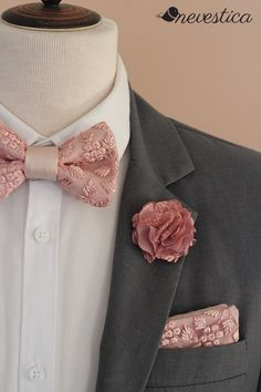 The Gentlemen/'s Club 2-Tone Bow Tie For Men w//Gold Metal Accents Hot Pink