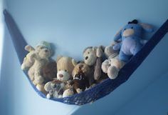Toy hammock -- free knitting pattern for a hammock to store toys