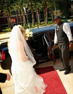 """Dynasty Limousine, based in Jacksonville, Fla., has been recognized by TheKnot.com as """"Best Limo Service Provider."""" Click through the photo to learn more about their fleet of #luxury vehicles and custom #limousines to service your #wedding, #prom or special event."""