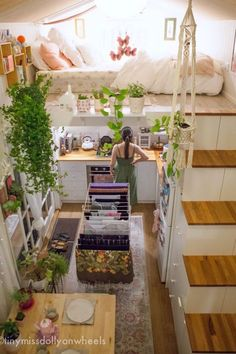 Tiny houses seem to break all the rules, and yet, the tiny house movement is really taking off! Best Tiny House, Tiny House Plans, Tiny House On Wheels, Little Houses, Tiny Houses, Tiny House Movement, Tiny House Living, Living Room, Tiny House Bedroom