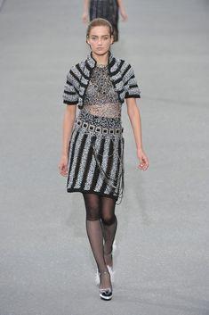 Chanel Spring 2009 Ready-to-Wear Fashion Show - Karmen Pedaru (IMG)
