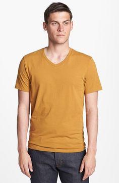 T3><V-Neck T-Shirt