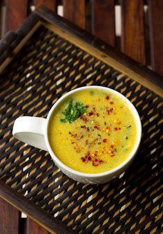 This easy sweet corn soup recipe is great to have in winter and rainy season. The soup is amazing and I just love to make this soup. Boil Sweet Corn, Sweet Corn Soup, Corn Soup Recipes, Boiled Corn, The Help, Cooking Recipes, Rainy Season, Stuffed Peppers, Dishes