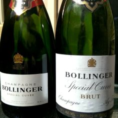 Bollinger festa. Old vs New 30yo NV vs cuurent NV #filthygoodvino #filthyoldvino #champagne #bollinger aging gracefully #cellar Want more? Check out filthygoodvino.com Sharing wine experiences that make your heart race! Notes on the tasty beverages passing my lips, tips & tricks to help you get the most from your Filthy Good Vino, stories of vino love and more!