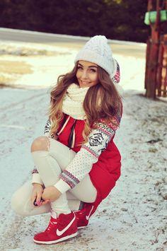 Outfit del día: Winter outfit, Look para invierno Siguiendo con los looks de invierno que te parece una combinación entre blanco y rojo...