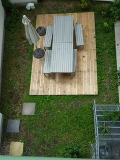 DIY steps for building a pallet patio...we can so do this...
