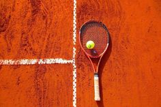 Learn how to serve and get a great tennis serve. Hit the tennis ball with a powerful forehand and destroy your oponents. Atp Tennis, Tennis Workout, Sport Tennis, Tennis Camp, Tennis Tournaments, Tennis Players, American Football, Tennis Stringing Machine, Roland Garros