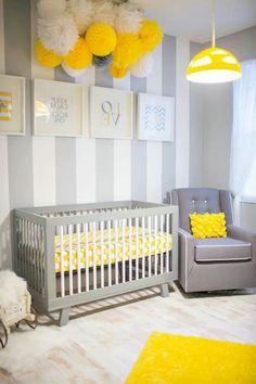 weie hauptfarbe gelber kronleucher und gemlde im babyzimmer 45 auffllige ideen babyzimmer komplett - Babyzimmer Neutral Gestalten