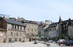Tulle (Corrèze) - Place de la Cathédrale