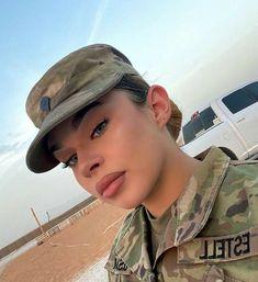 Army Decor, Military Women, Girls Uniforms, Army Girls, War, Fashion, Moda, Fashion Styles, Female Soldier