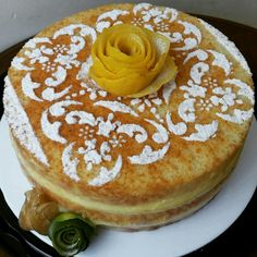 Lemon curd naked cake