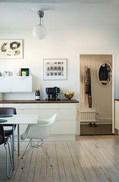 white kitchen (by Anna @ D16)