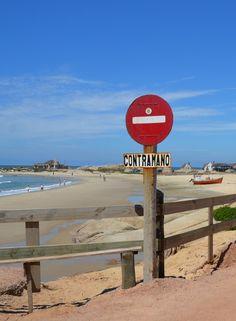 Entrando el Pueblo, Punta del Diablo, Uruguay.